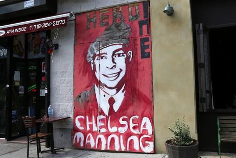 Politischer Missbrauch des Urheberrechts: Zensur von EFF-Material für Chelsea Manning in den USA