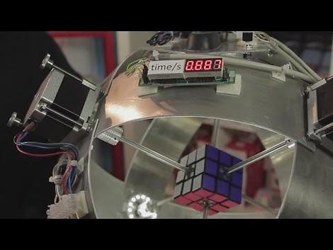 Hier wird der Quantensprung von Roboterarbeit vorstellbar: Rubiks Cube in unter 1 Sekunde gelöst