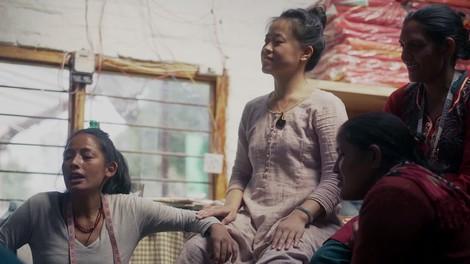 Stoffbinden für Nepal, wo Menstruation ein Tabu ist