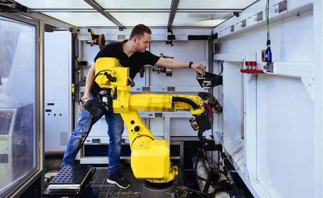 Digitalisierung vernichtet angeblich zahllose Jobs. Warum gibt es dann trotzdem immer mehr Arbeit?