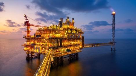 Wie der Kampf gegen den Plastikmüll die Ölkonzerne eiskalt erwischt
