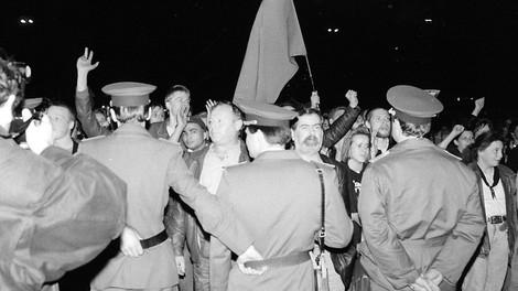 Warum hat die DDR-Führung die Proteste eigentlich nicht militärisch niedergeschlagen?