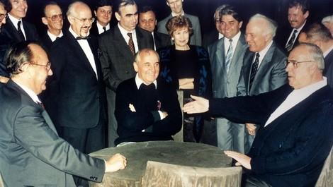 1989 ff. oder: Vortasten zum Kern des neuen alten Ost-West-Konflikts