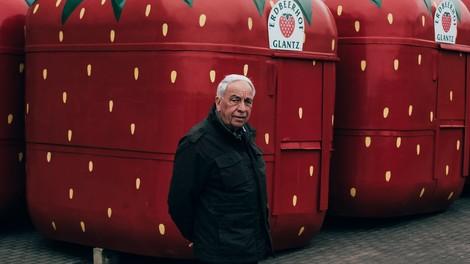 Sollen wir Erdbeeren pflanzen? Eine berührende Geschichte nah am Boden der Realität rund um Corona.