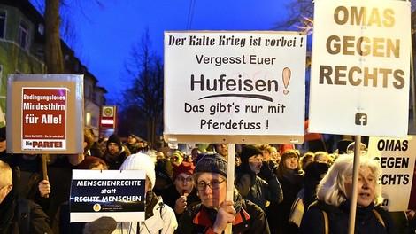 """""""Demokratische Mitte"""" vs. """"die Ränder"""": Aber was sagen diese Begriffe eigentlich aus?"""
