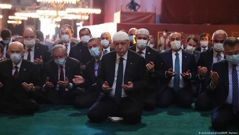 Olivier Roy über die Umwandlung der Hagia Sophia