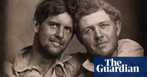 Ein Fotoessay über männliche Liebespaare zwischen 1850-1950