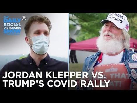 """Our Rock'n'Roll Superstar President!"" – Oh-oh-Töne von Trump-Rally"