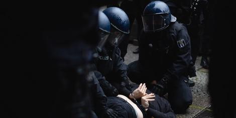 Wann darf ich die Polizei beim Einsatz filmen? Und wann nicht?