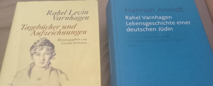 Zwei Bücher
