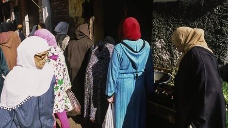 Alleinerziehende Mutter zu sein in Marokko - Für viele eine Tortur